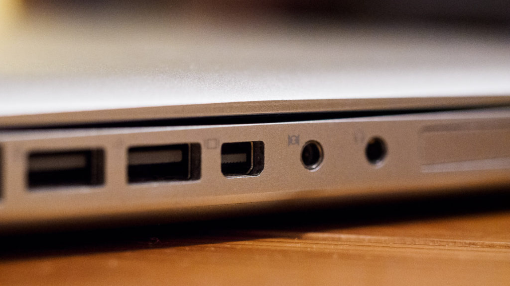 "MacBook Pro 15"" 2009 – Mini-DisplayPort."